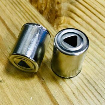 Колпачок СВЧ магнетрона, 13,5mm (треугольник отверстие)