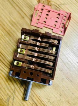 Переключатель режимов духовки электроплиты 46.25866.560 EGO